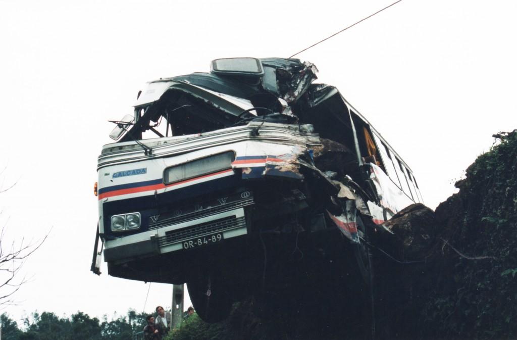 Autocarro Acidentado